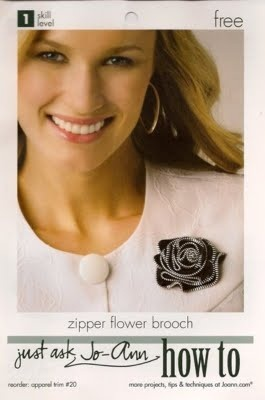 Broche con cremallera: Zippers Projects, Diy Flowers, Crafts Ideas Diy, Zippers Art, Zippers Crafts, Zippers Rose, Zippers Brooches, Zippers Flowers, Flowers Brooches
