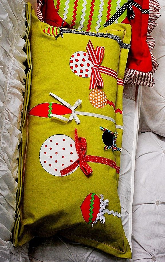 2013 christmas pillows design #christmas #pillow #handmade .loveitsomuch.com & 38 best Cute Christmas Handmade Pillows images on Pinterest ... pillowsntoast.com