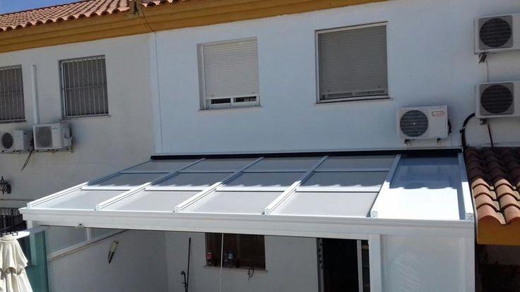 Instalación de cerramientos con techos de vidrio deslizantes en Sevilla. #cerramientos #techosdevidrio #techosdecristal #techosdeslizantes