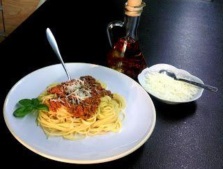 Co podpowie głowa, ręce zrobią, a język posmakuje: Spaghetti w bolońskim klimacie