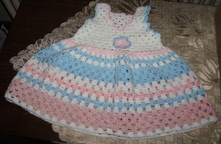 sukieneczka dla małej dziewczynki