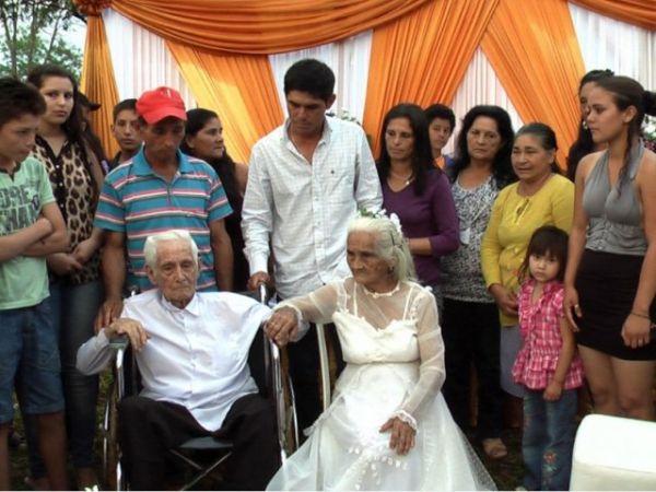 Conozca a la pareja de ancianos de Paraguay se ha casado después de vivir juntos durante 80 años. Visite nuestra página y sea parte de nuestra conversación: http://www.namnewsnetwork.org/v3/spanish/index.php