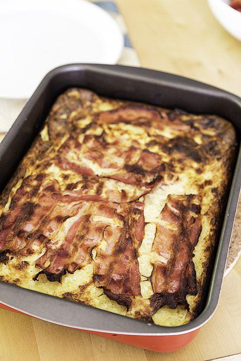 Raggmunk i långpanna – aka tjockpannkaka med potatis och bacon
