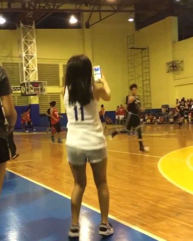 This is Kathryn Bernardo jumping happily and cheering for Daniel Padilla during the Pangako Sa 'Yo Basketball Tournament after a day of taping of the remake of Pangako Sa 'Yo last February 18, 2016. Kathryn was cheering on for Daniel during the game and they're very happy and enthusiastic. :-) #KathNiel #KathNielBernadilla #PangakoSaYo #PangakoSaYoBasketballTournament #Roborats #RoboratsBasketball