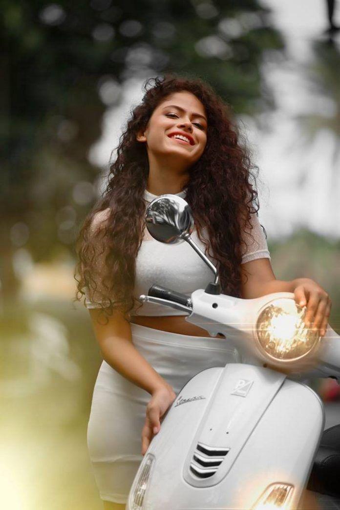 Sandani Neues Fotoshooting   LankaModelz.com – Schärfe überladen – #Photoshop …