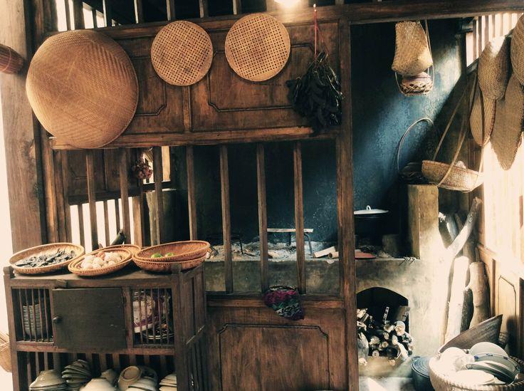 Theo quan niệm phong thủy người miền Bắc, trong đó có người dân của vùng đất khai sinh ra nền văn hóa Đông Sơn đặt bếp ở phía nam của ngôi nhà là hỏa gập hỏa thì hỏa vượng – cuộc sống của gia chủ sẽ sung túc.(Ảnh: Trang Mi - Tôi xê dịch)