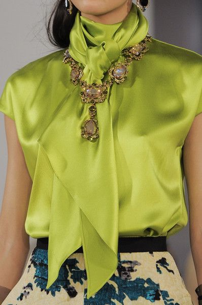 Oscar de la Renta Fall 2013 - Details - Love the collar/scarf on this blouse, the color, and the skirt...
