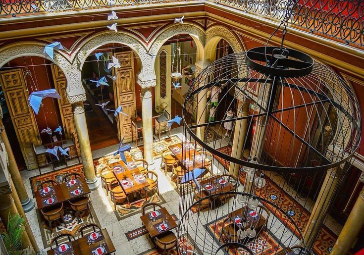 """Mi piace"": 283, commenti: 4 - Visit Lisboa (@visit_lisboa) su Instagram: ""A 19th century palace, that today it's an interesting place for shopping in Lisboa. The residence…"""