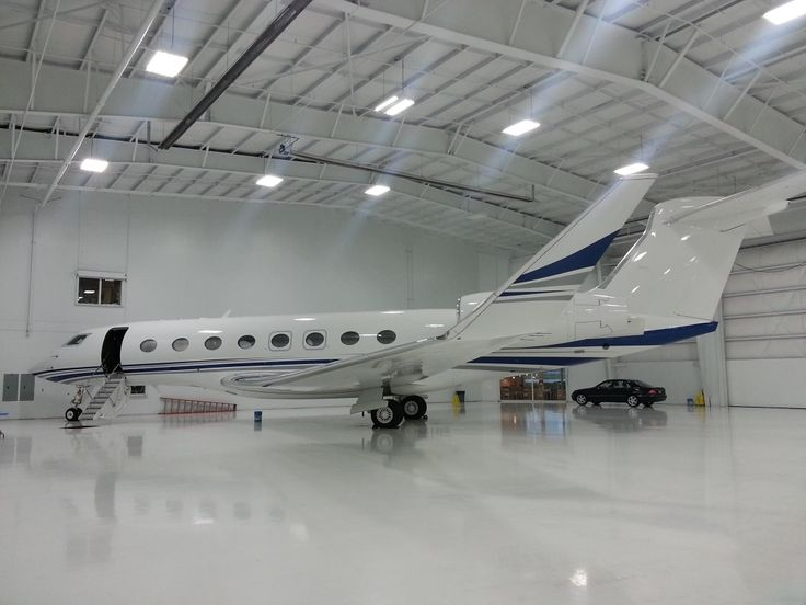 Private Plane With Garage : Gulfstream g move planes pinterest privat