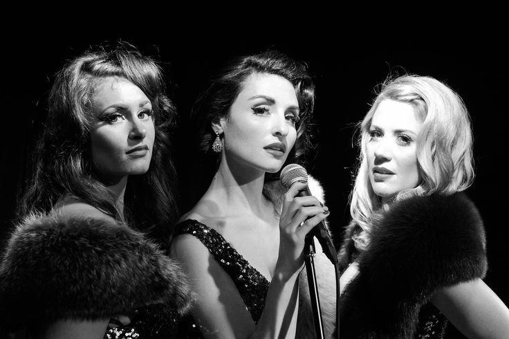 Belle Noir are a vocal harmony trio channelling the golden age of Hollywood. Perfect for a glamorous vintage wedding.  #jazz #vintagewedding #music #noir #headliner