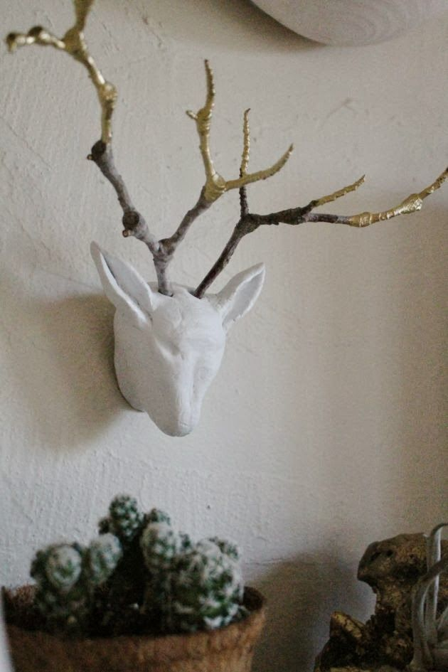 Make your own tiny deer sculpture using air dry clay, gold leaf, and twigs. Easy to follow tutorial.: Air Dry Clay, Gold Leaf, Deer Head, Buck Sculpture, Diy Project, Craft Ideas, Diy Young