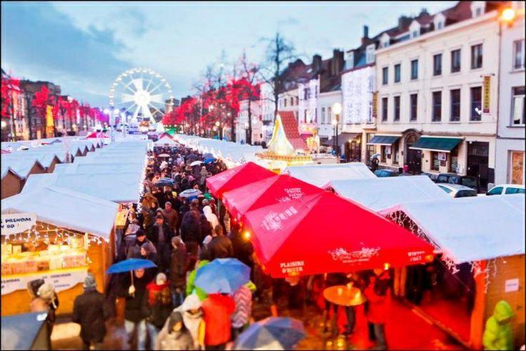 Winterpret is van december tot de ochtend na de eindejaarsfeesten en houdt het volgende in:  een kerstmarkt met ongeveer 250 chalets kermisattracties (reuzenrad, draaimolens) een ijsbaan om te schaatsen