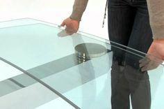 Κάντε τα γυάλινα τραπέζια σας να αστράφτουν με το πιο απλό τρόπο…    Θα χρειαστούμεένα πανί και ένα καθαριστικό που θα σας δείξω πως φτιάχνετε παρακάτω. εγω χρησιμοποιώ πανάκια απο μικροίνες, που καθαρίζουν απαλά και δεν αφήνουν