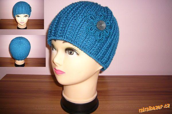 Háčkovaná čepice s pleteným vzhledem...