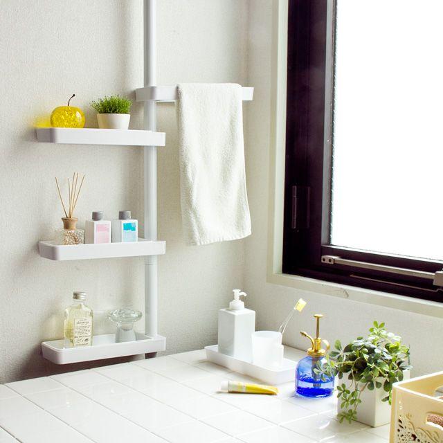 10月末~11月上旬頃入荷の予約販売となります。入荷日は前後する場合がございますので予めご了承下さい。 ※次回の入荷情報をご希望の方は、 「この商品へのお問い合わせ」から、お問い合わせください。 --> 解説 洗面台、玄関、浴室、トイレ、洗濯機周りなど、家の中にはちょっとしたスキマが思った以上にたくさんあります。 そんなスキマを有効活用できれば、おおきな収納スペースに。 そんな発想から生まれたのがこの「シンプルデザイン つっぱり式 スリムラック」 です。 (突っ張り/ハンガー) サイズ 全体/約幅(片側)29/(両側)53/×奥行9×高さ200~275cm トレイ内寸/約幅23.5×奥行7.5×高さ2.5cm 重量 約2.3kg 耐荷重 各トレイ/約2kg 全体/約10kg 材質 パイプ/スチール、塗装仕上 結合部など/ABS樹脂 ゴム/天然ゴム、合成ゴム バネ・ネジ類/スチール(メッキ)、ABS樹脂 製造国...