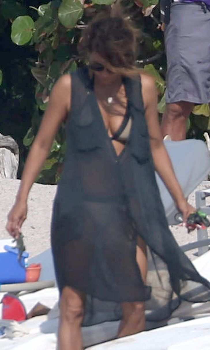 Halle Berry and Olivier Martinez Reunite For a Mexico Beach Day With Their Kids