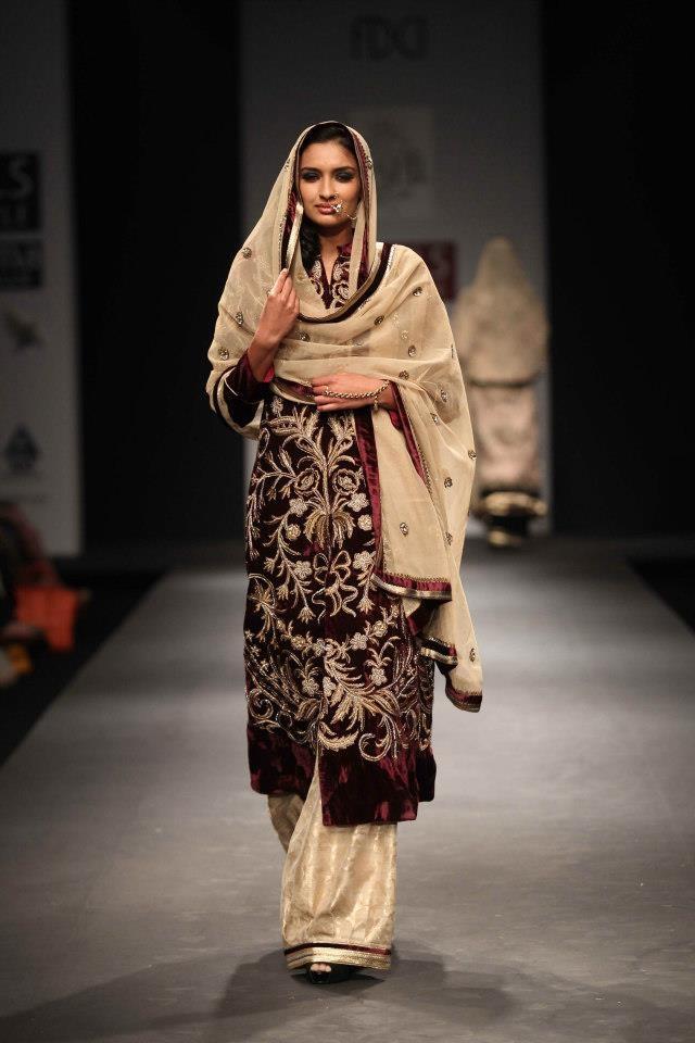 Vineet Bahl at Wills Lifestyle India Fashion Week Autumn Winter 2013