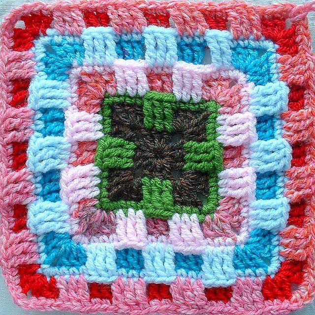 Dit is de link met het gratis patroon  http://www.ravelry.com/patterns/library/brighter-daze-square