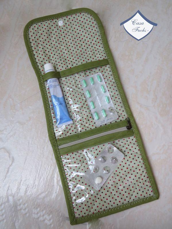 Porta remédios aberto  Ou porta bijouterias, ou porta maquiagem, etc