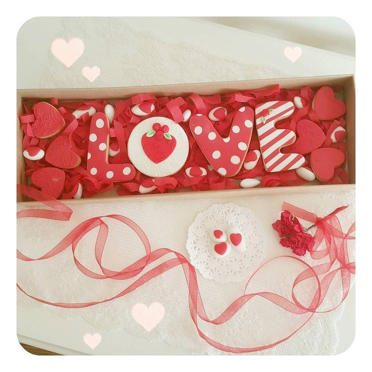 Sevgililer Günü için kurabiye ve badem şekerli kutularimizzz hazirrrr 30 tl  #sevgili #sevgiliye #sevgililergünü #sevgililergünühediyesi #sevgililergunu  #kurabiye #cookies #valentineday by aslimakin
