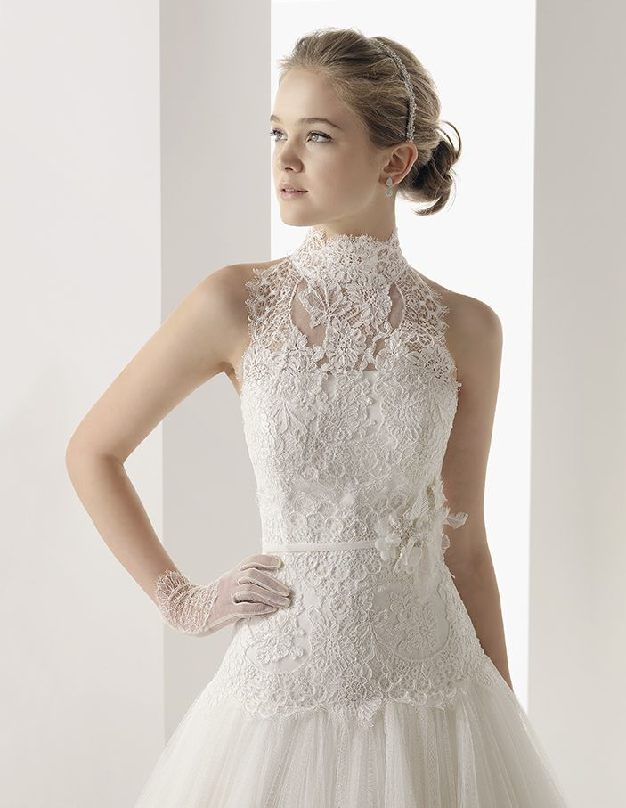 two by rosa clara wedding dress with lace choker collar