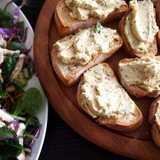 Rezept von Russell Norman: Crostini mit Sardellen & Kichererbsen