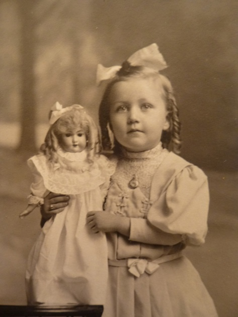 Antique Cabinet Card Girl in Curls Holding Simon Halbig Doll Early 1900'S | eBay