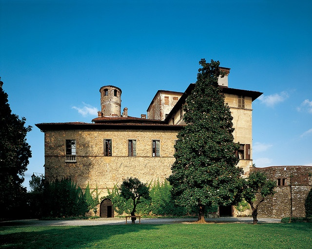 Photos of Manta Castle, Manta, Cuneo by FAI, via Flickr