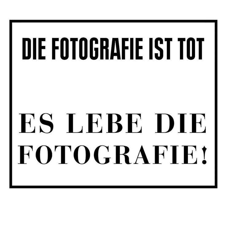 Am 26.10. findet ab 16:30 Uhr die Diskussionsrunde zur Fotografie im NRW-Forum statt. Auf der roten Couch wird mit den Gästen Horst Wackerbarth Mareike Foecking und Katja Stuke über das Erbe und die bevorstehende Zukunft der Fotografie in und um Düsseldorf gesprochen. Der Eintritt zur Diskussion ist frei.  #NRWForum #DieFotografieisttoteslebedieFotografie #Diskussionsrunde #HorstWackerbarth #MareikeFoecking #KatjaStuke #dieroteCouch #Düsseldorf #FotografieinDüsseldorf #weloveart…