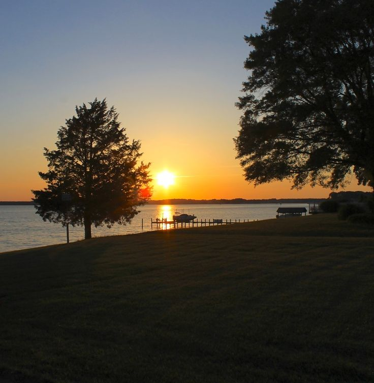 sunset over the Rappahannock River © The Gracious Posse