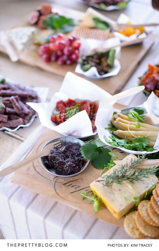 Rustic share-style platters make for great starters | Real weddings | Photograph by Kim Tracey Photography