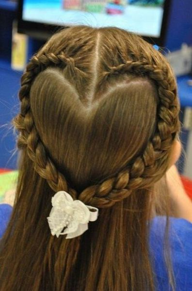 Heart hair braid OK THIS IS CORNY I KNOW, but I LOVEEE hearts I couldn't resist… <3 sweet for a little girl at her communion, there you go. PIN JUSTIFIED.