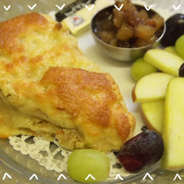 Cheese, Carrot & Cumin Scone served warm with apple, grapes and chutney.
