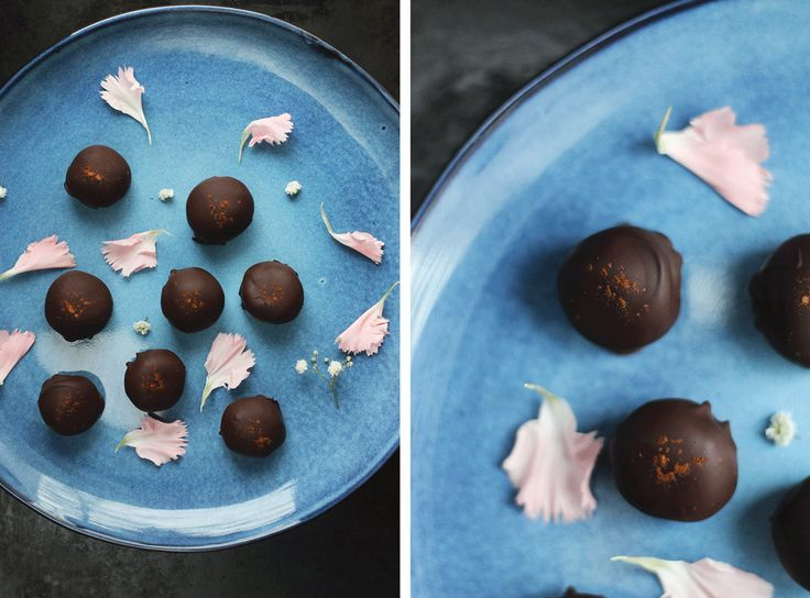 Představte si chuť čokolády doplněnou okardamom, špetku soli, kterápošimrá najazyku, lehký závan vodky, abytomělo říz anakonec přidejte sladkost sušených švestek. Přesně takdobrý jetorecept.