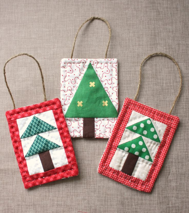 Quick and simple mini quilt Christmas Tree ornament. Simple tutorial for a sweet handmade gift.