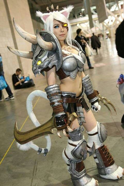 Female Rengar - League of Legends | Girls + Cosplay ...