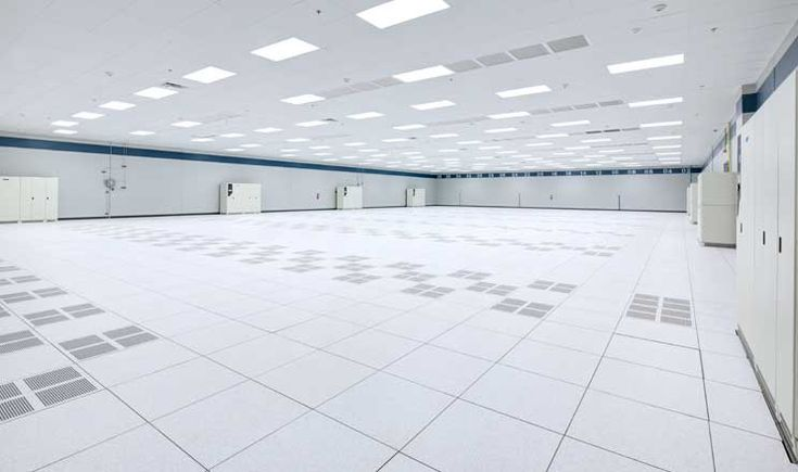 Compass data halls are at least 10,000 square feet, and are designed without columns, providing more room for customer IT equipment. (Photo: Compass Datacenters)