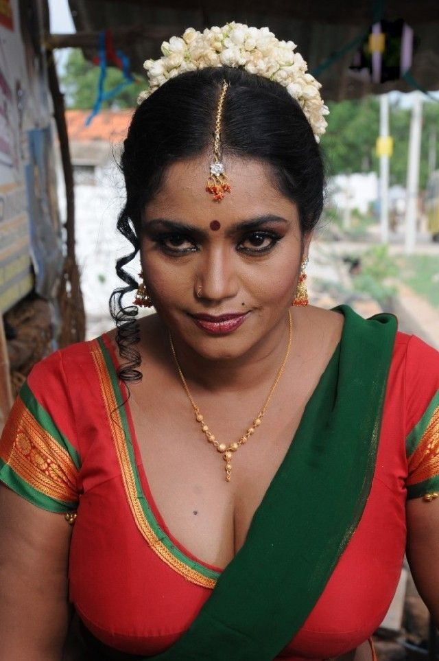 Actress Jayavani Hot Saree Stills