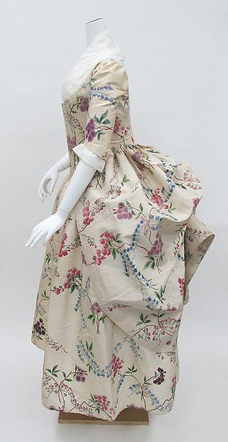Robe à l'anglaise retroussée Date: ca. 1780 Culture: French Medium: silk Accession Number: 1976.146a, b