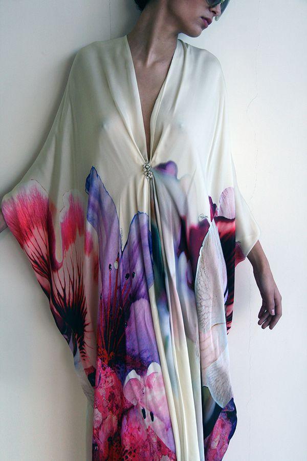 Roberto Cavalli Satin Kaftan with oversized flowers print vestido estampado tipo tunica
