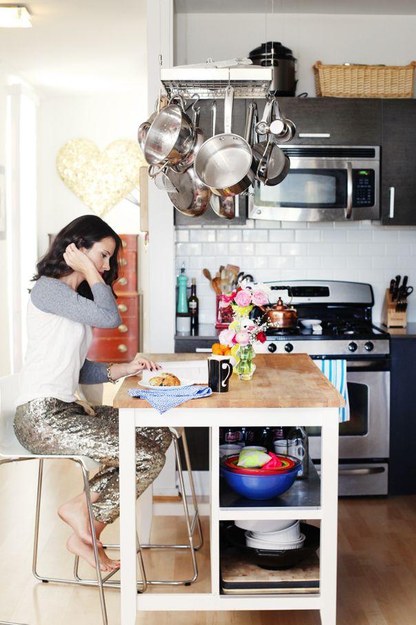 Amanda Dawbarn Of 100 Layer Cake home tour via theglitterguide.com