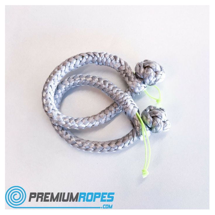 Dyneema softshackles are a safe, lightweight and strong alternative to stainless steel shackles. Make them yourself or buy them ready made in our store.  #dyneema #softshackle #shackles #softshackles #premium #ropes #sailing #sailingboat #splicing #rope