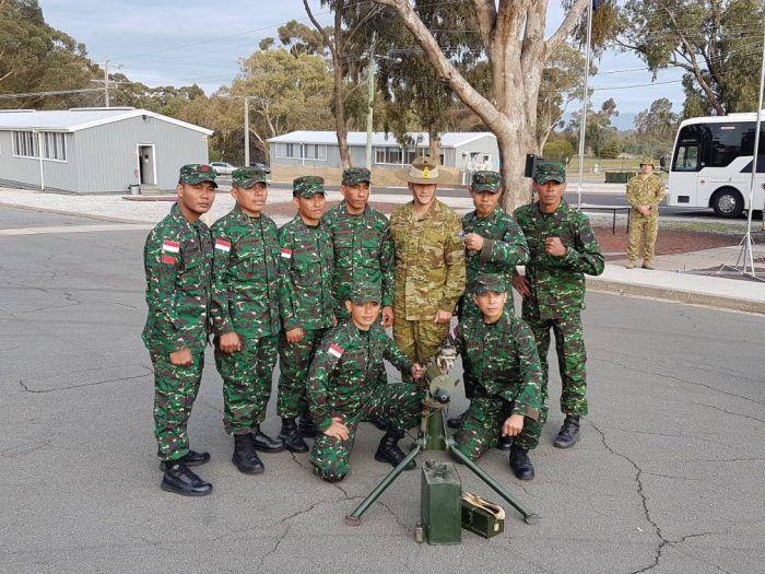TNI AD Juara Umum Lomba Tembak AASAM tahun 2017  Lingkarannews.comTentara Nasional Indonesia Angkatan Darat (TNI AD) kembali menorehkan prestasi gemilang di pentas internasional dengan menjadi Juara Umum dalam lomba tembak bergengsi antar Angkatan Darat dari 20 negara.  Kegiatan ini diselenggarakan oleh Angkatan Darat Australia (Royal Australian Army) yang bertajuk Australian Army of Skill Arms at Meeting (AASAM) berlangsung pada tanggal 5 s.d. 26 Mei 2017 di Puckapunyal Military Range…