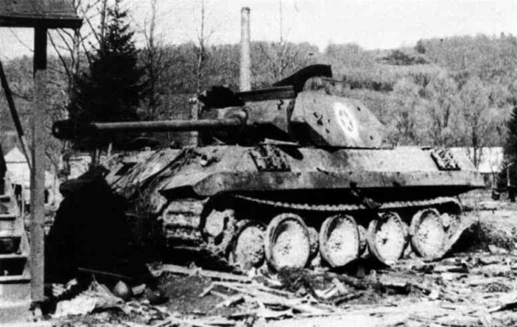 German Panther disguised as American M10 Tank Destroyer (Operation Greif).