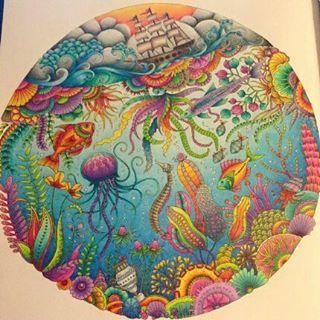 Os coloridos do fundo do  mar estão lindos!!!  Desenho do Pinterest Els Van der Velpen _______________________________________________ ↪ Use #lostoceancolors, e compartilhe seus desenhos ou via Direct!↩  Siga os IGs: @lostoceancolors e @consuladodamodapremiere  _______________________________________________ VAMOS COLORIR COM ESTILO ▶ Consulte a loja virtual ⛔www.consuladodamoda.com.br
