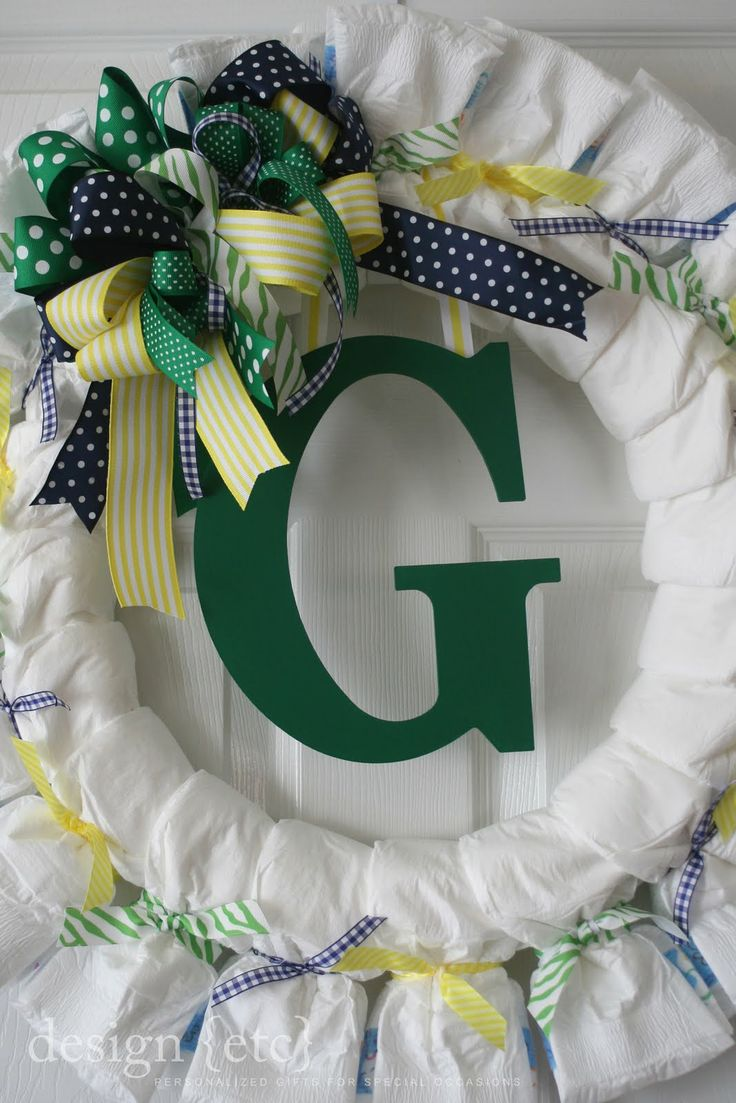 25 best baby shower wreaths images on pinterest diaper for Diaper crafts for baby shower