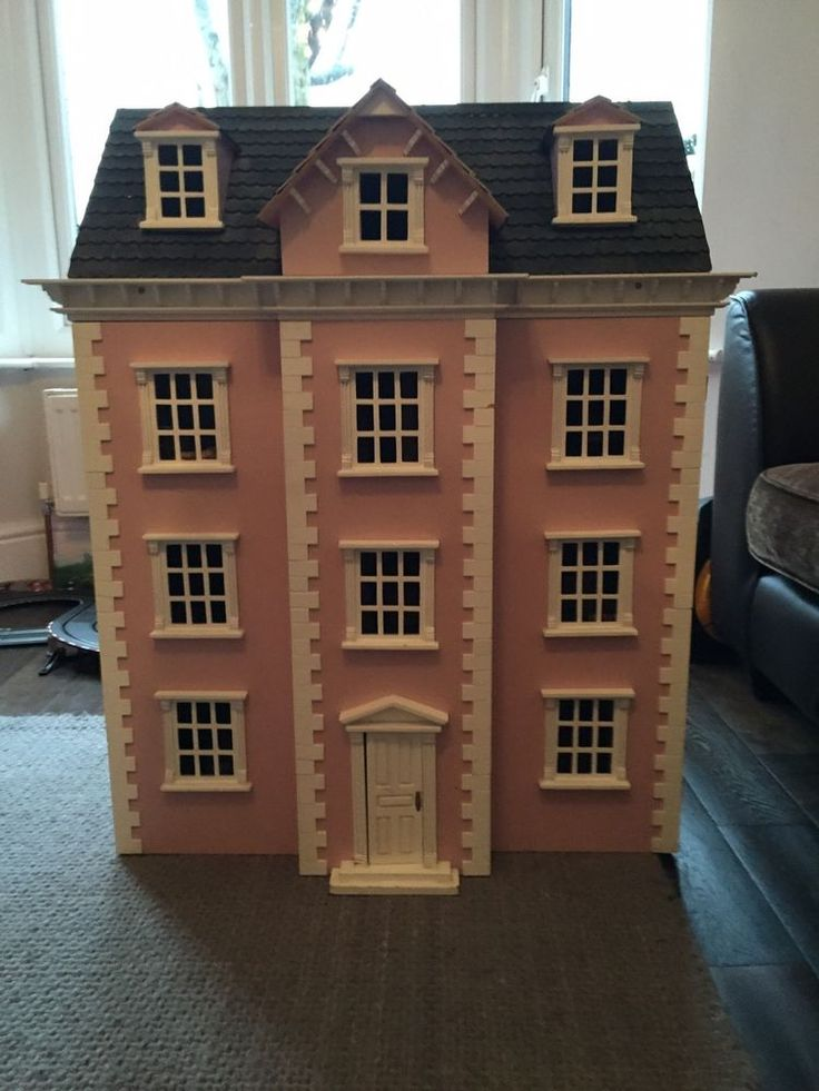 a dolls house huge social and The two social class descriptions that are present in katherine mansfield's short story the doll's house are the upper class, which is represented by the burnell sisters, and the very poor.