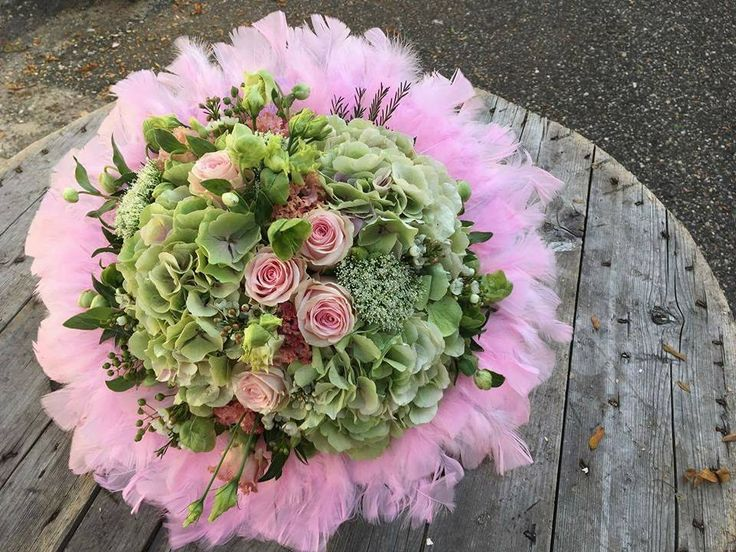 PINK bouquets <tone in tone>
