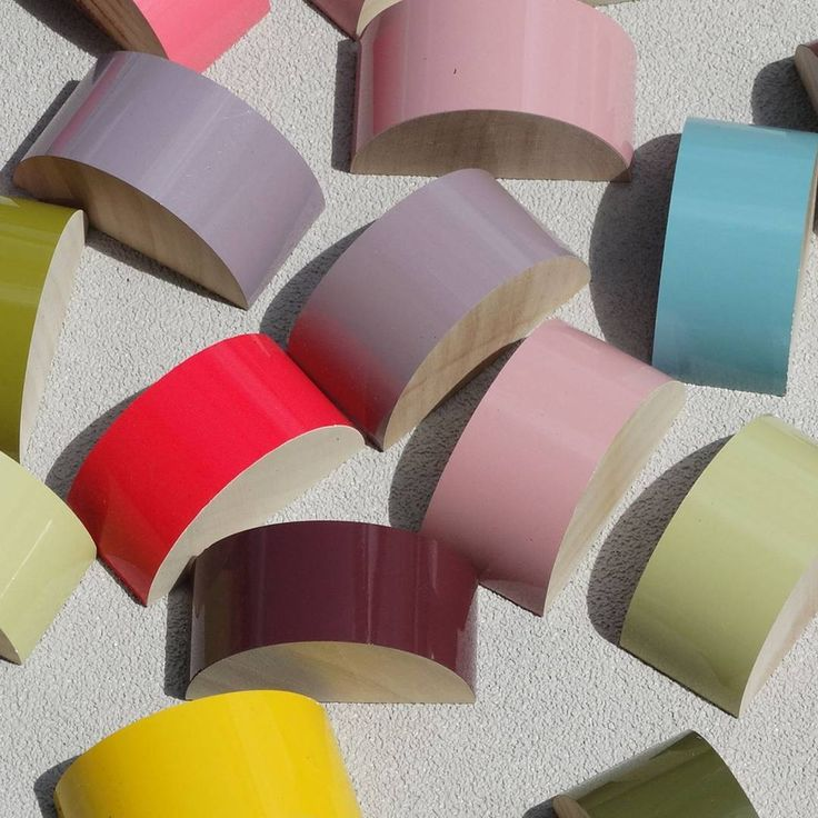Gorgeous colours of lacquered poles in the sunshine today #specialcolours #limited edition #50mmcurtainpoles    #bespoke #bespokecolours #farrowandball #walcothouse #curtainpoles #interiordesign #homestyle