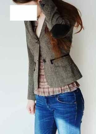Kupuj mé předměty na #vinted http://www.vinted.cz/damske-obleceni/saka-saka/15727071-sako-hnede-vel-38-tvidove-s-nasivkami-na-loktech